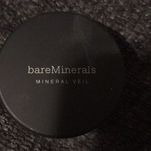 Bare minerals veil